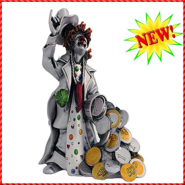 clown figurine-012