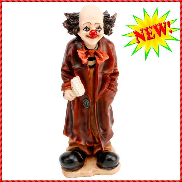 clown figurine-014