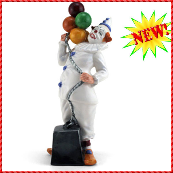 clown figurine-017