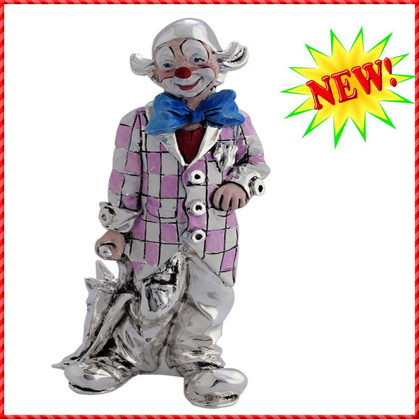 clown figurine-018