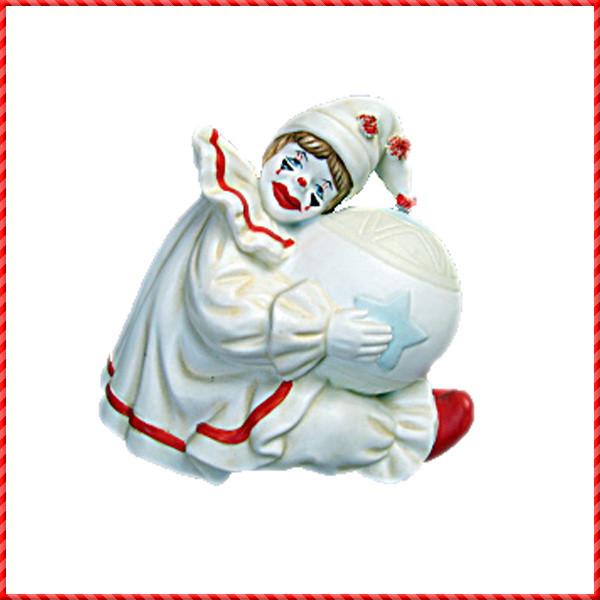 clown figurine-020