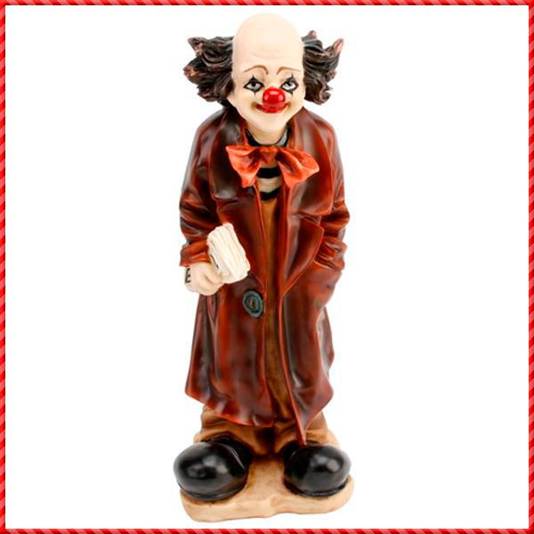 clown figurine-023